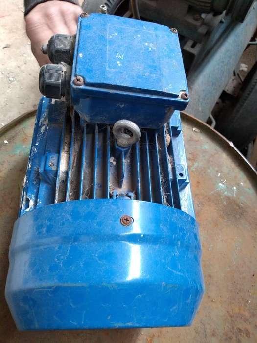 Motor 5.5 Trifásico 1500 V