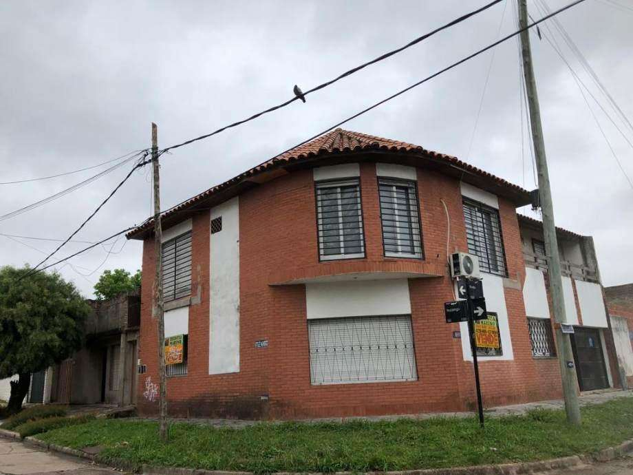 Casa PH en venta en Bernal Centro