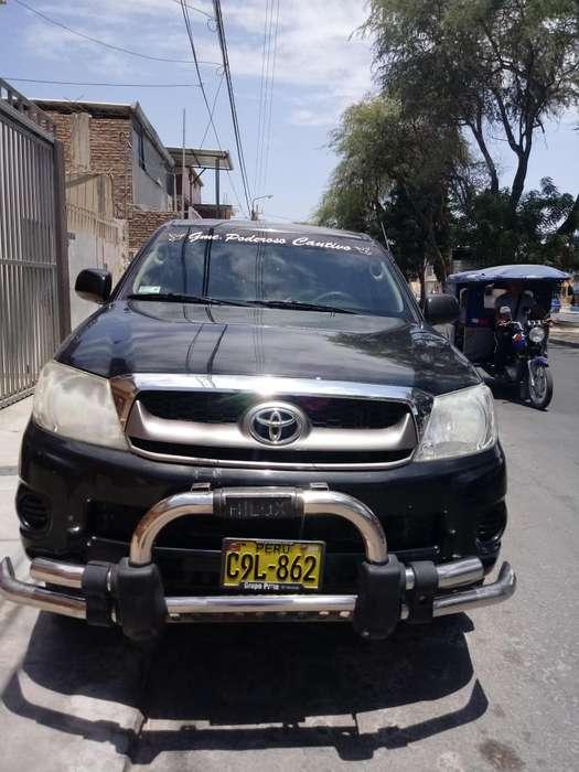 Toyota Hilux 2011 - 139000 km