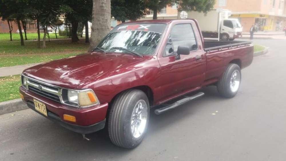 Toyota Hilux 1996 - 190000 km