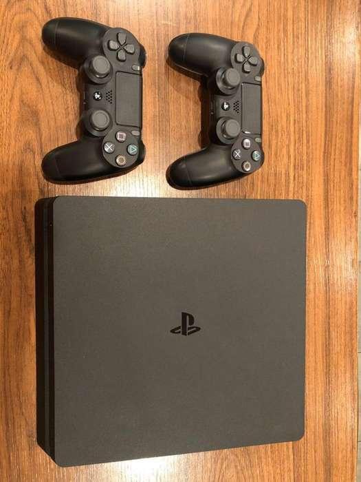 PS4 Slim 500GB Juegos Digitales 2 Jostick. Muy poco uso