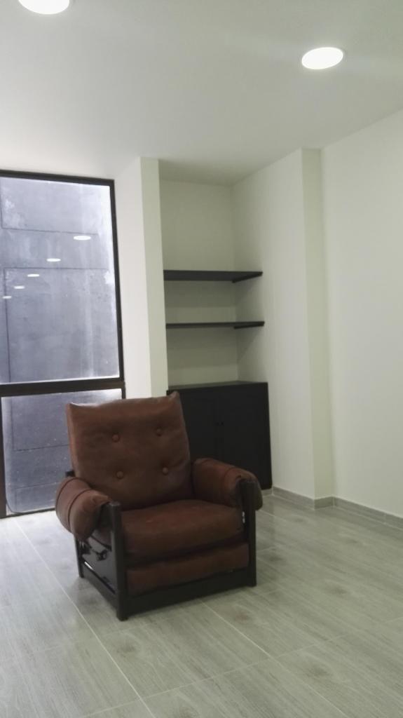 Vendo  oficina 32 m2-Nueva con baño privado en Centro de Ibague O Permuto por Taxi