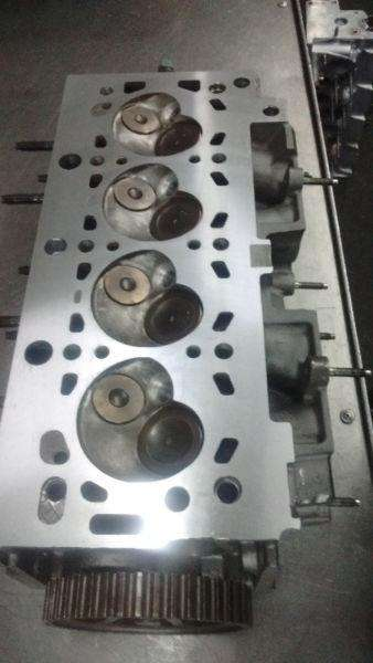 TAPA CILINDROS PEUGEOT Z02 <strong>inyeccion</strong> 205 206 306 partner