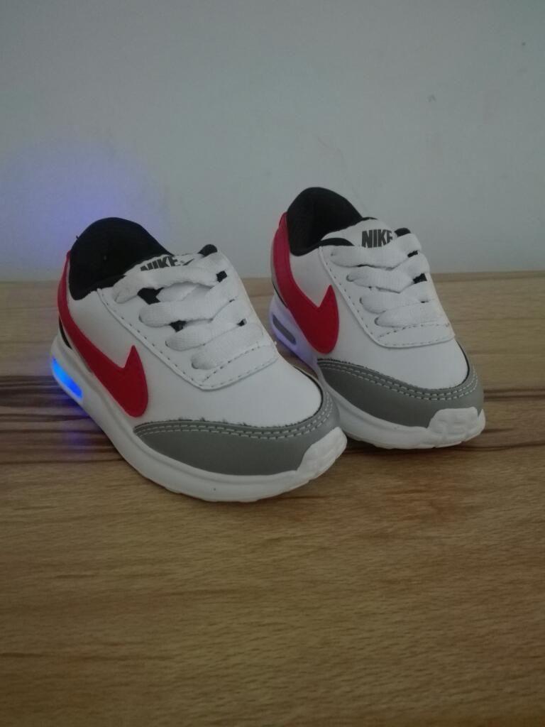 e2df34b78 Zapatillas Tenis Nike Luces Niños 21 - Cali