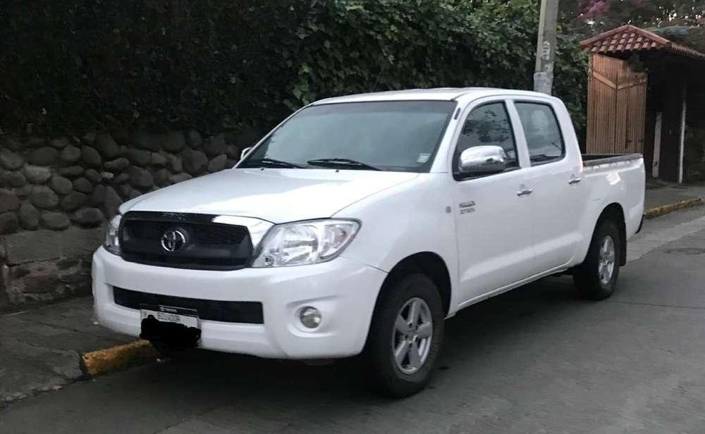 Toyota Hilux 2011 - 93800 km