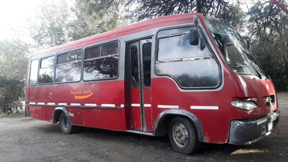 Vendo Mini Bus Mod 2000