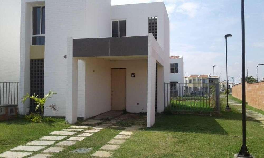 Venta de casa en condominio Robles del Castillo Jamundí