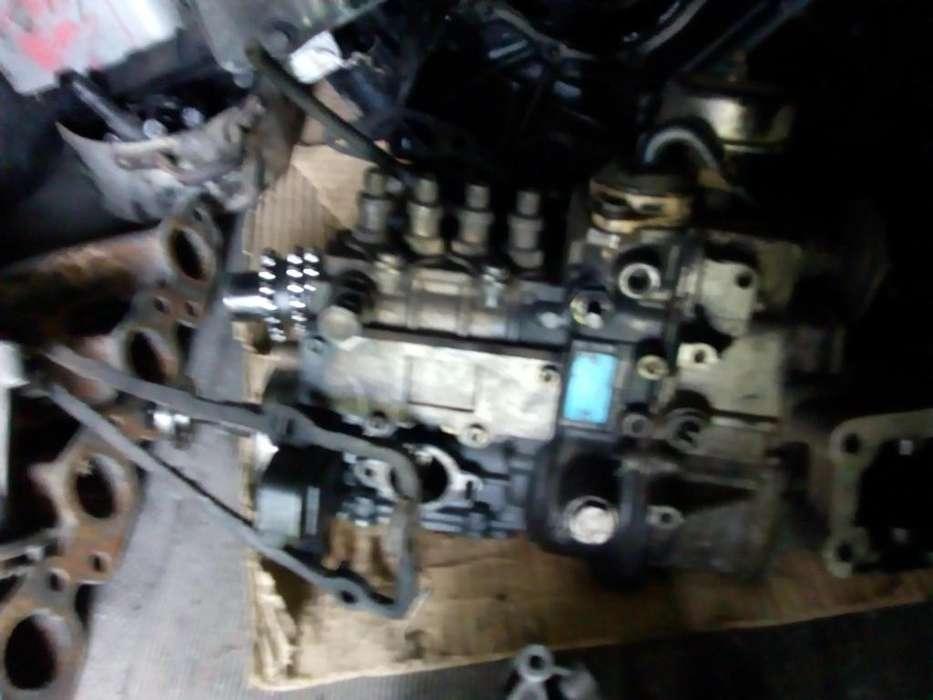 vendo repuestos de motor musso 4 cilindros