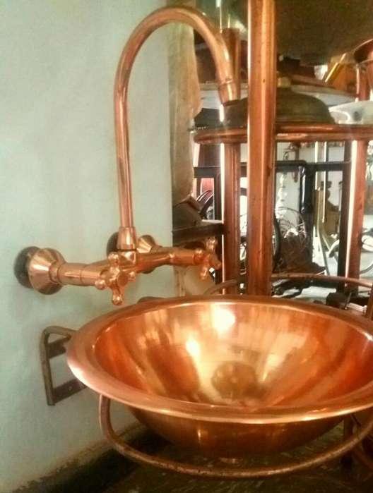 Lavamanos en Cobre con Llave Doble Pomo
