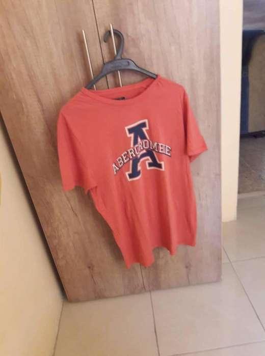Camiseta Abercrombie Fitch