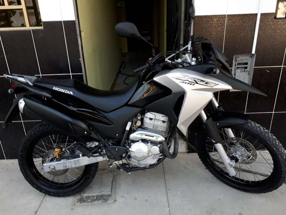 Vendo Mi <strong>honda</strong> Xre 300 Semi Nueva