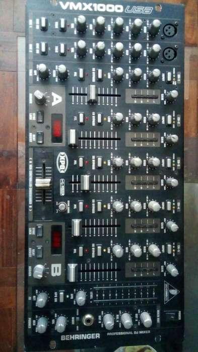 Mezcladora Dj Behringer Pro VMX1000USB profesional de 7 canales