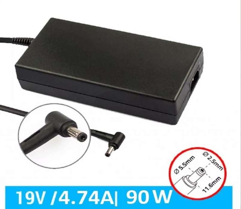 cargador portatil toshiba 4.7 amperios original usado