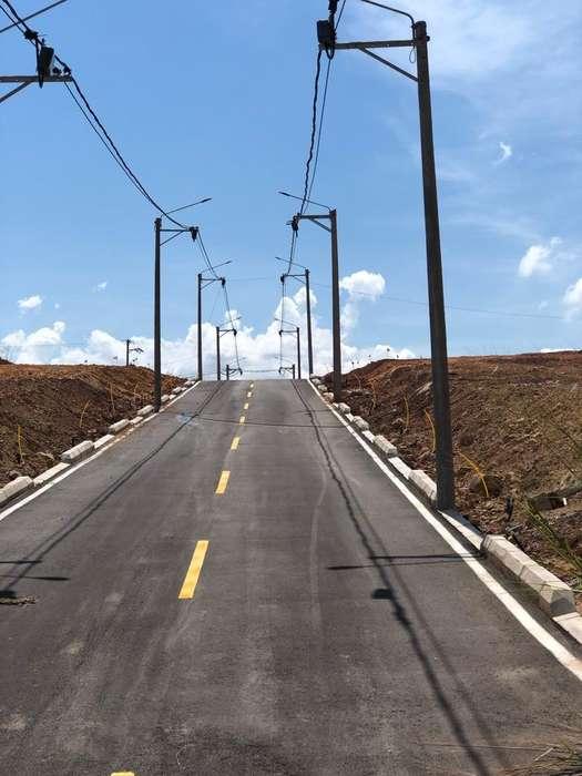 Venta de Lote 80 M2 Esquinero en Giron
