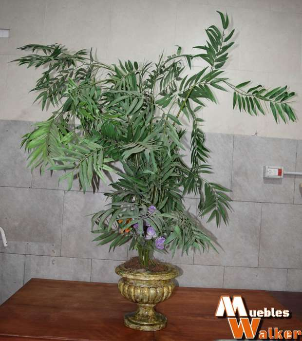 Planta artificial (1,40cm. alto) con maceta
