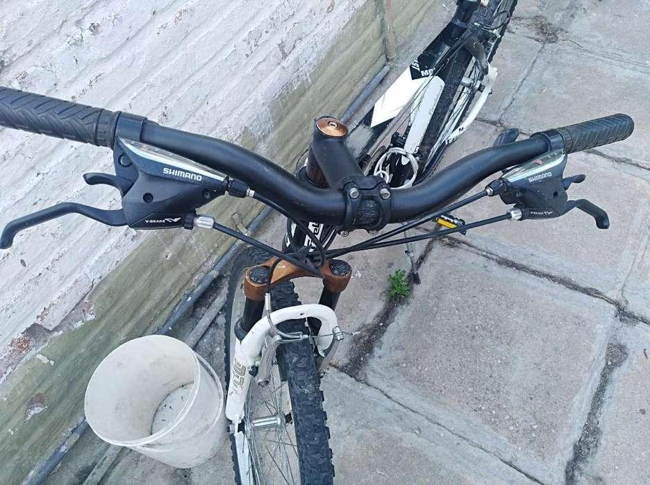 Vendo Bicicleta Mtb R 26, de Aluminio