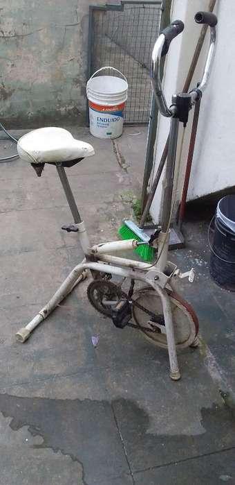 Vendo Bicicleta Fija Andando Muy Bien