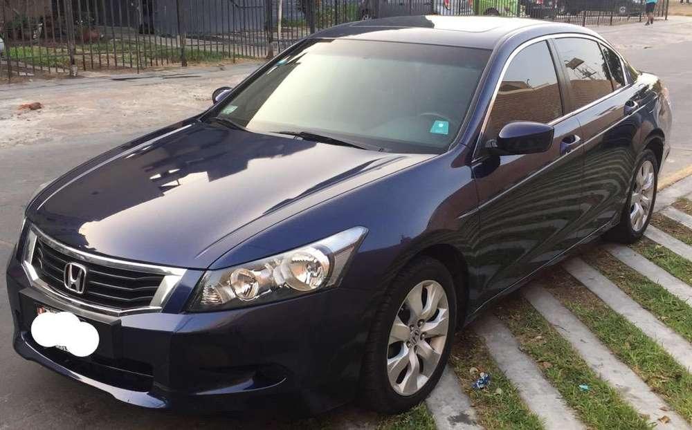 Honda Accord 2010 - 80000 km