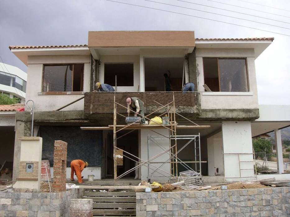 Maestro de construcción y reparaciones locativas CERTIFICADO
