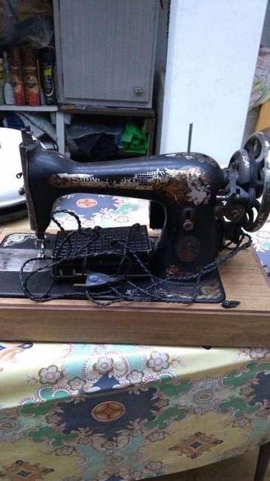 Maquina de coser Singer antigua Electrica
