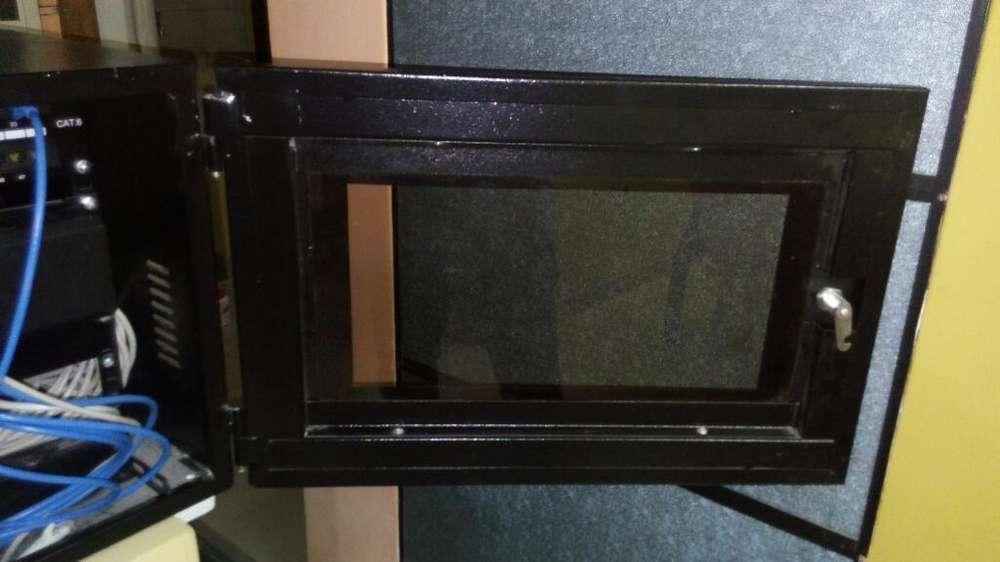 Gabinete Metalico con Llave para Switch
