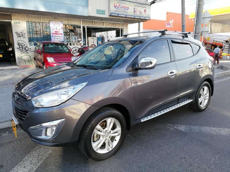 Hyundai Tucson ix-35 2013 - 80000 km