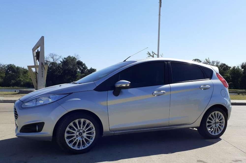 Ford Fiesta  2015 - 55000 km