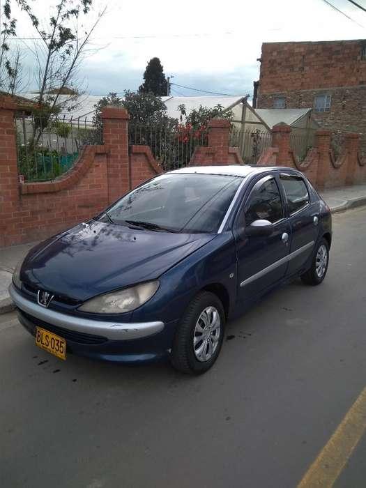 Peugeot 206 2001 - 0 km
