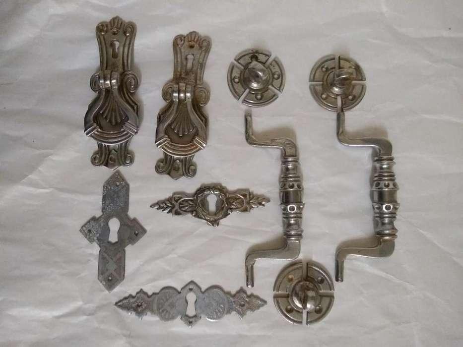 manijas cromadas y boca llaves antiguos De <strong>muebles</strong>