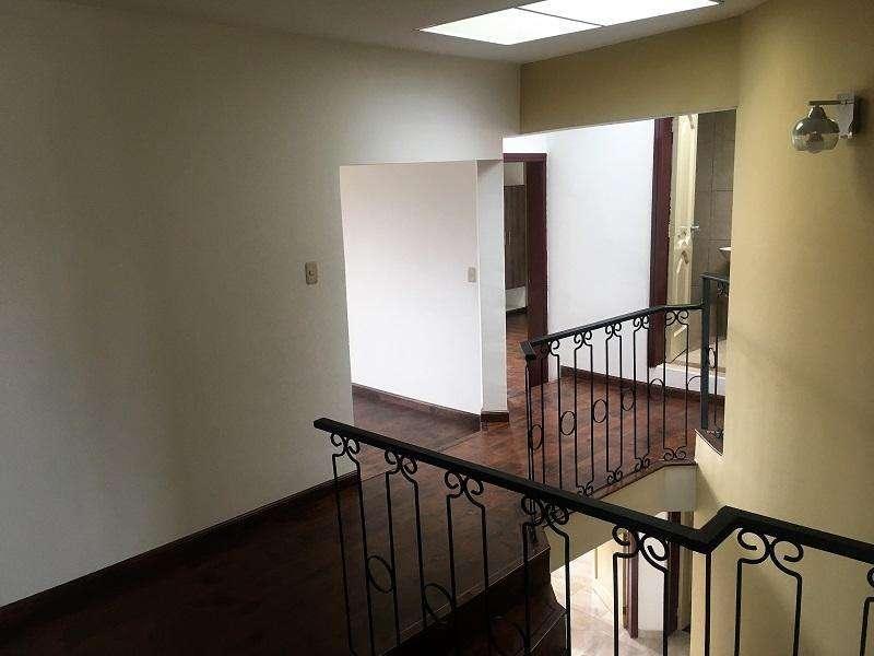 En VENTA Casa con espacio verde, sector Miraflores Cod: CV101