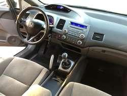 HONDA CIVIC LXS 2009 VTV 104.000 KMS ORIGINALES IMPECABLE APTO CREDITO BANCARIO