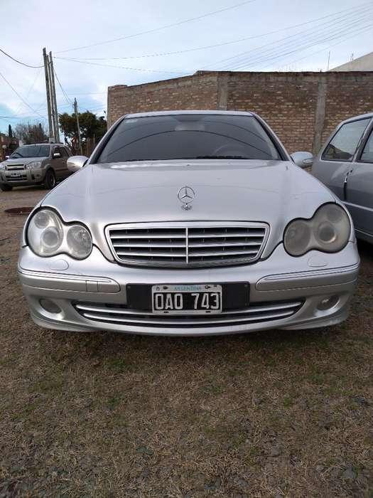 Mercedes-Benz 220 2007 - 111111 km