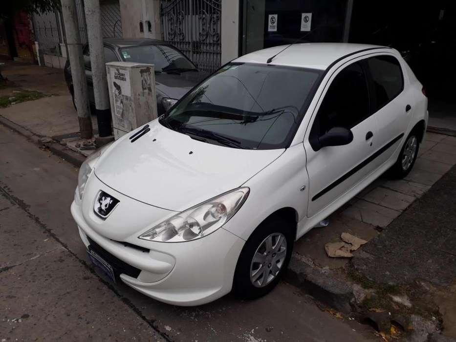 Peugeot 207 Compact 2013 - 130000 km