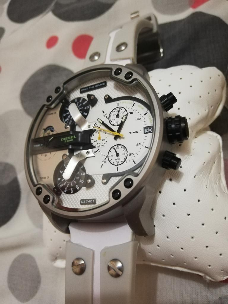 7eb6132524bf Reloj Diesel Nuevo Original Dz7401 - Manta