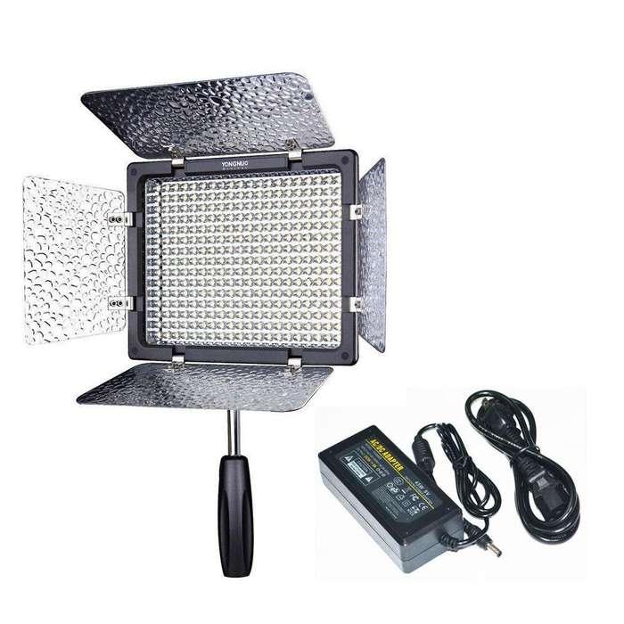 Luz LED Yongnuo Yn300 III [LUZ BLANCA] (para video y cámara) Adaptador