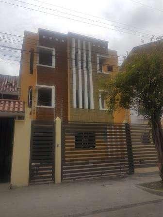 Casa Rentera de 3 Departamentos Independientes .Totoracocha