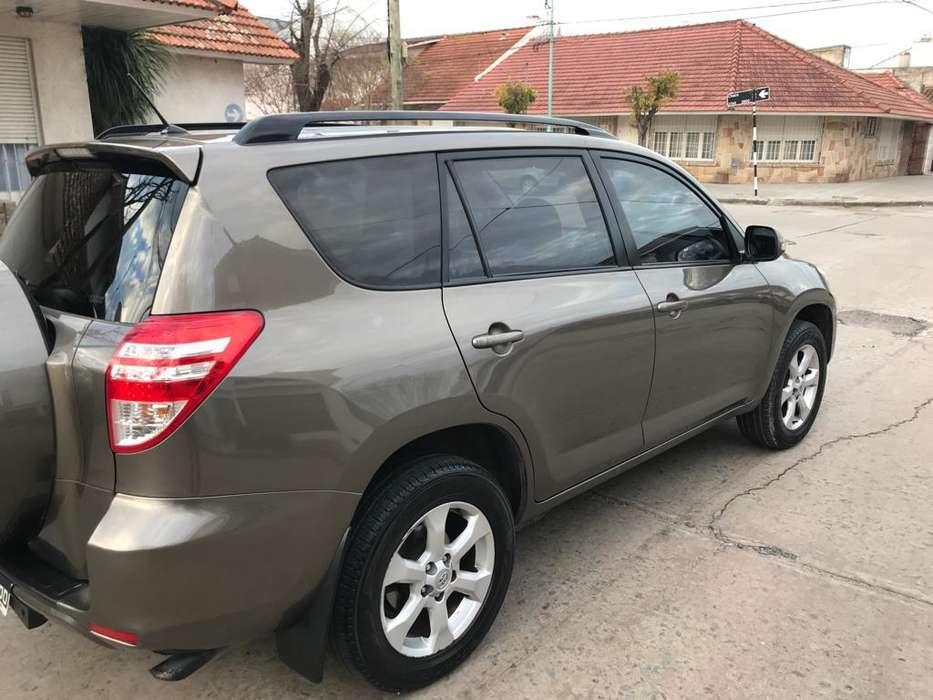 Toyota RAV4 2011 - 82000 km