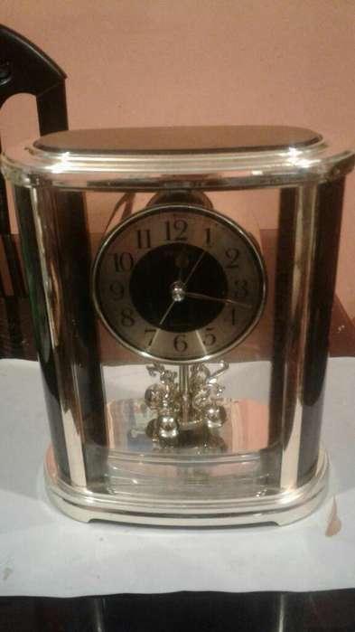 Reloj Seiko Japones de Mesa