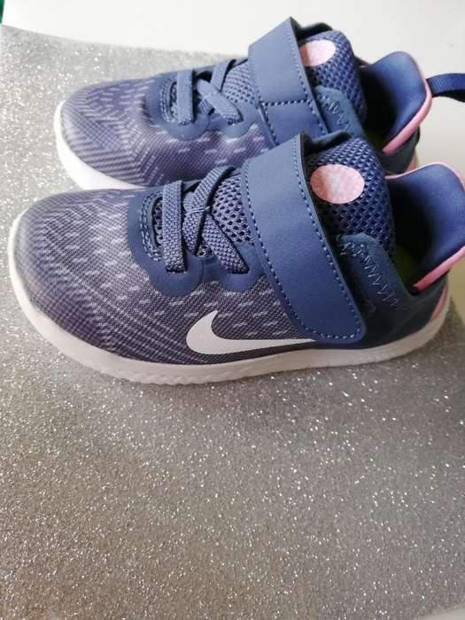 Preciosos Zapatos Nike de Niña Nuevos