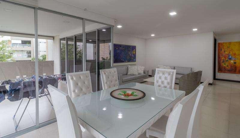 Apartamento En Arriendo En Cali Ciudad Jardín Cod. ABCMC7306