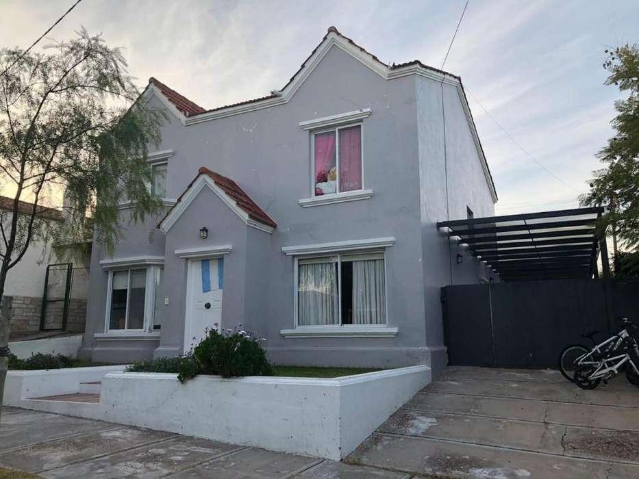 Casa en Venta. 3 Dor. 300 M2. 150 M2 Cub