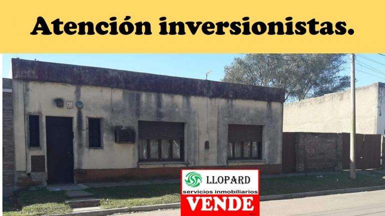 VENDEMOS amplia casona en General Pico, ideal inversor.