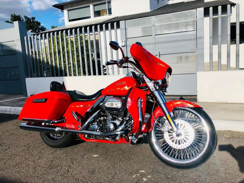 <strong>harley</strong>-Davidson StreetGlide CVO 110 inches Screaming Eagle 1.800cc <strong>harley</strong> Davidson Único dueño