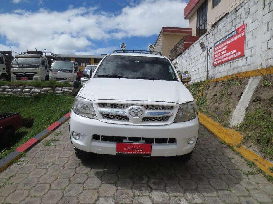 Toyota Hilux 2008 - 228000 km