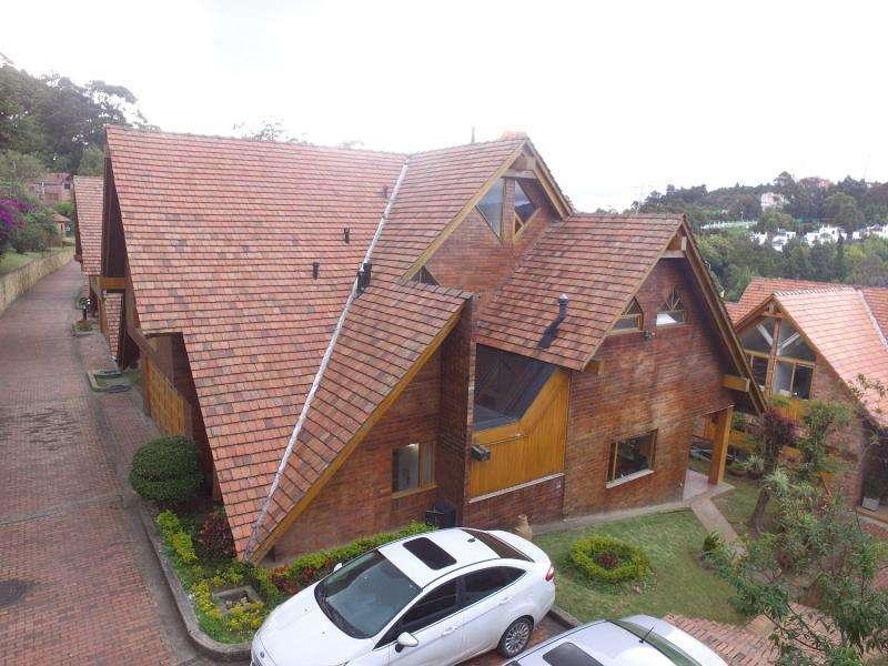 Casa En Venta En Bogota Altos De Suba Cod. VBDOL1010941