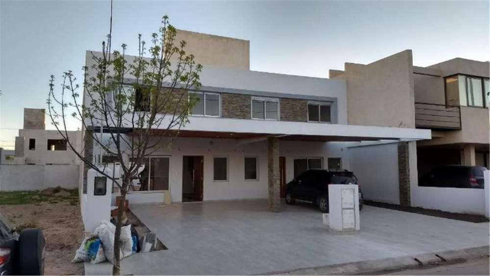 Colectora, Chacras Del Norte 3 - UD 190.000 - Casa en Venta