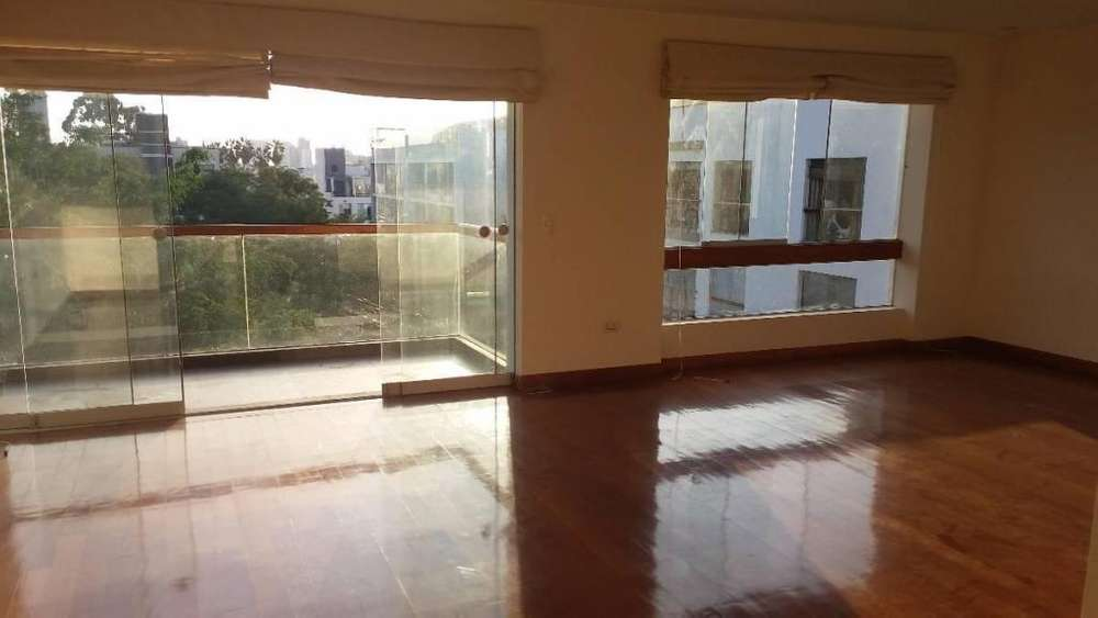 Amplio y acogedor <strong>duplex</strong> con vista a parque cerca a Av. La Merced, Surco