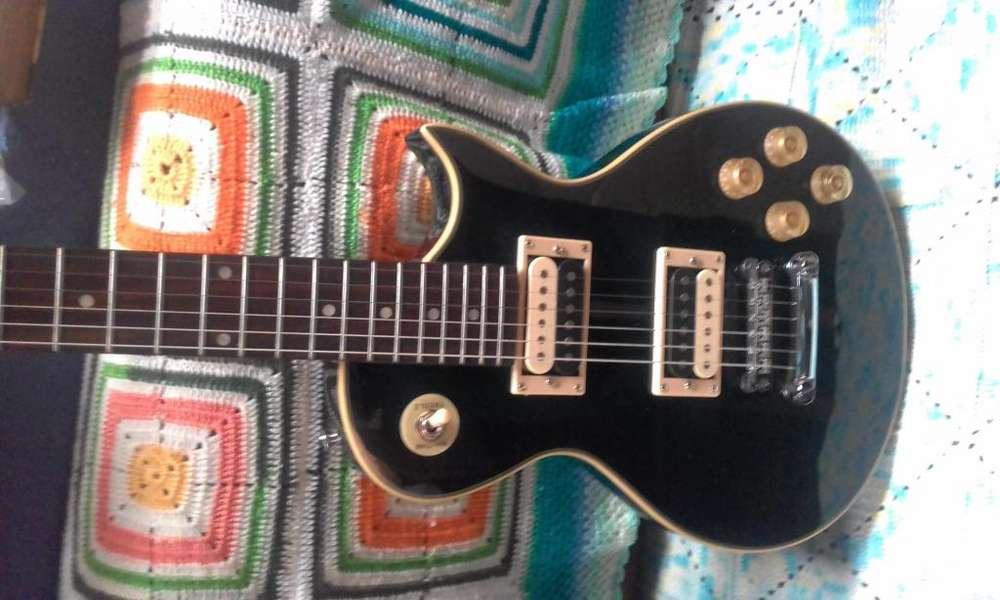 Guitarra eléctrica marca Country Blues de 4 micrófonos nueva