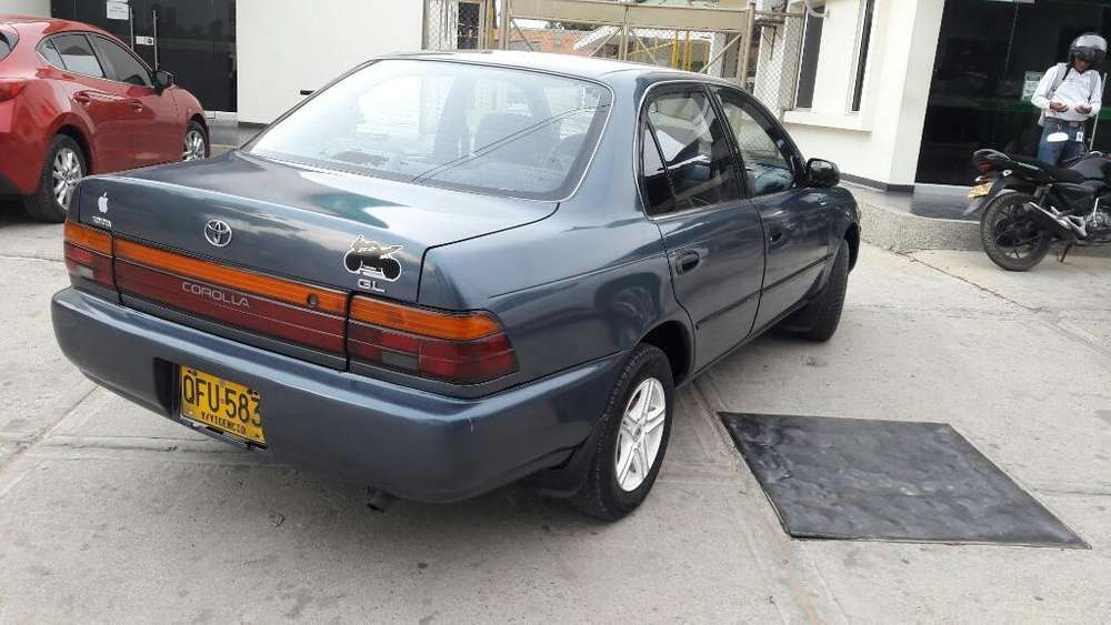 Toyota Corolla 1993 - 243 km