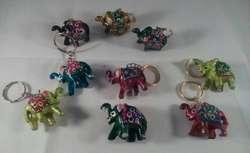 *** * Llaveros con Elefantes de la suerte.****